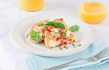 İçim Süzme Beyaz Peynirli Omlet Tarifi