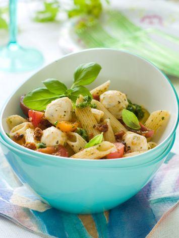 Peynirli Makarna Salatası Tarifi
