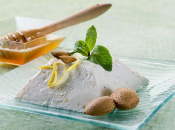 Ballı Taze Peynirli Dondurma Tarifi