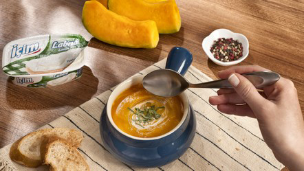 İçim Labne'li Bal Kabağı Çorbası