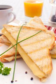 Peynirli Maydanozlu Tava Tost Tarifi