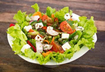 Kaparili Peynir Salatası Tarifi